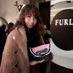 小嶋陽菜さんミラノに到着。「フルラ 90周年記念コレクション」公開