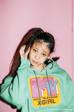 「X-girl×MTV」コラボレーション、フーディーやビーニーをリリース