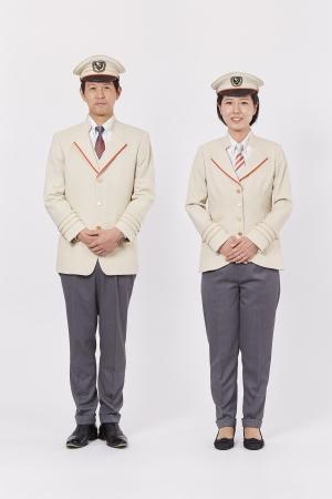 小篠ゆま氏デザイン、2018年3月ダイヤ改正にあわせて特急ロマンスカー専用の新制服を使用開始