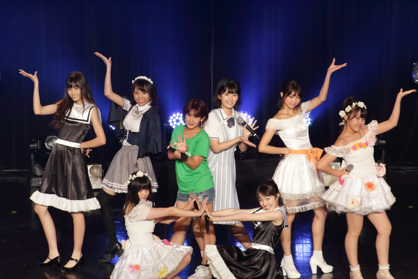 【TIF2017】元℃-ute岡井千聖と歌う「℃-ute大好きステージ」で感動の涙のアイドルたち