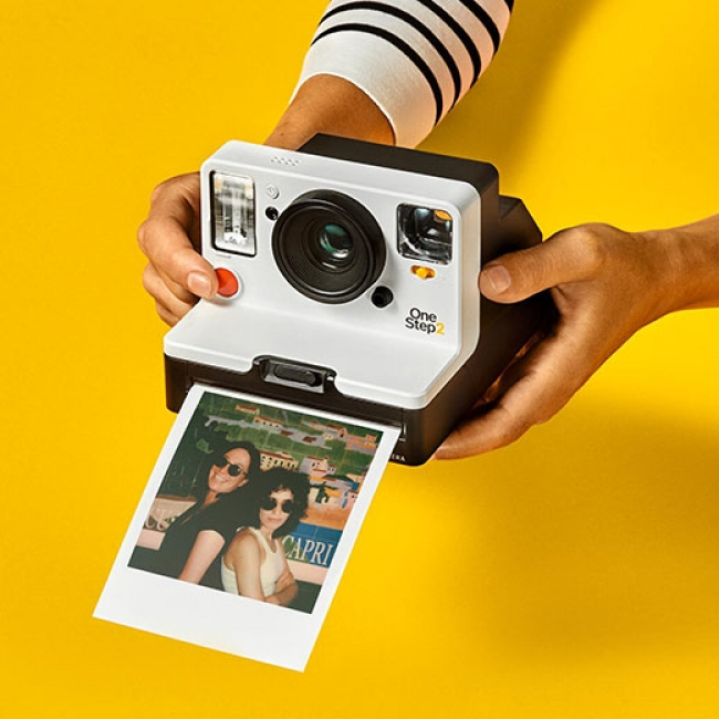 MoMA Design StoreがPolaroidインスタントカメラ 「OneStep 2」先行販売開始!