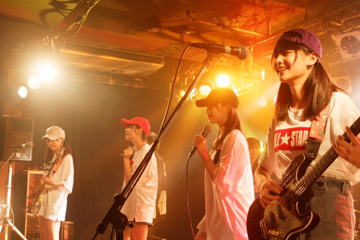 愛媛発エンタメガールズバンドたけやま3.5が東京で初ワンマンライブ!初4人のみでの生演奏に緊張と笑顔