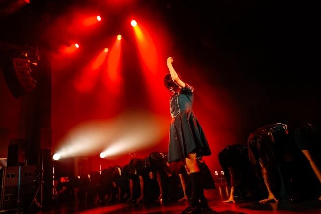 """渋谷の""""聖地""""に凱旋!欅坂46が渋谷ストリーム ホールこけら落とし公演で「サイレントマジョリティー」を披露"""