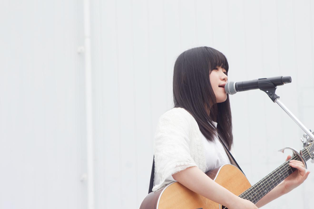 「ギュウ農フェス春のSP2019」ピックアップ!原田珠々華がギターと歌で彩った野外ステージ