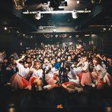 """新アイドルグループ""""朝ぼらけの紅色は未だ君のうちに壊れずにいる""""が、満員の渋谷aubeにてライブデビュー!"""